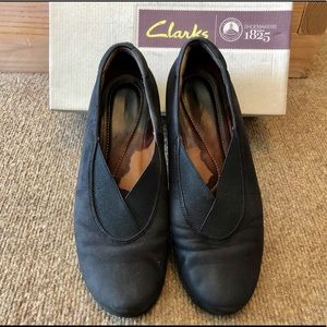 Clarks Aubria Fay black flats slip on shoes